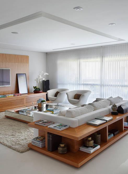 Apartamento Cond. Golden Green: Salas de estar modernas por Cadore Arquitetura