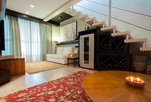 Living com Adega: Salas de estar modernas por Luine Ardigó Arquitetura
