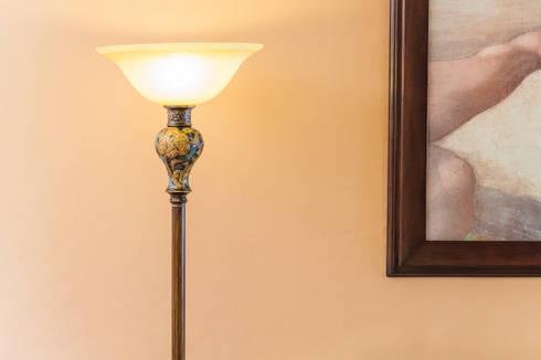 Lámpara art deco: Arte de estilo  por Mikkael Kreis Architects