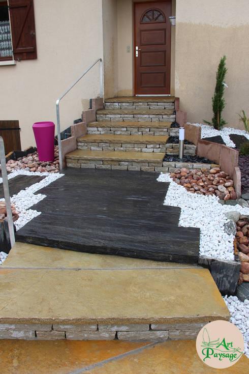 APRES escalier & palier: Maisons de style de style Moderne par ART PAYSAGE