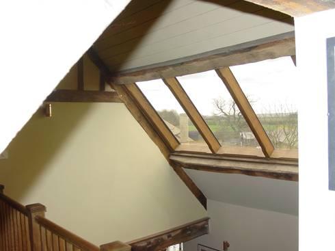 Churchill Heath Farm, Roof light: country Bathroom by BLA Architects