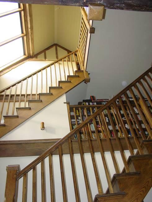 Churchill Heath Farm, Stairs:  Corridor & hallway by BLA Architects