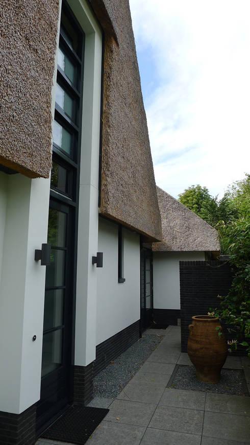 Entree: moderne Huizen door Architectura