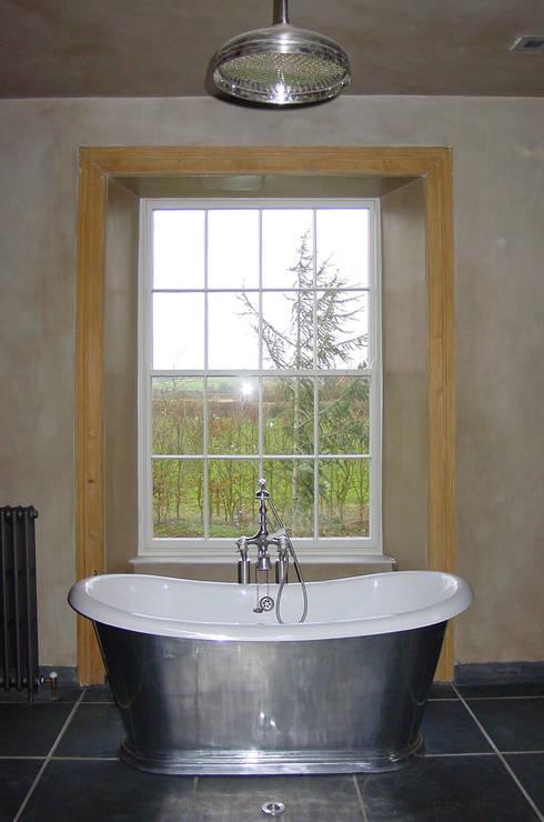 Churchill Heath Farm, Bathroom: country Bathroom by BLA Architects