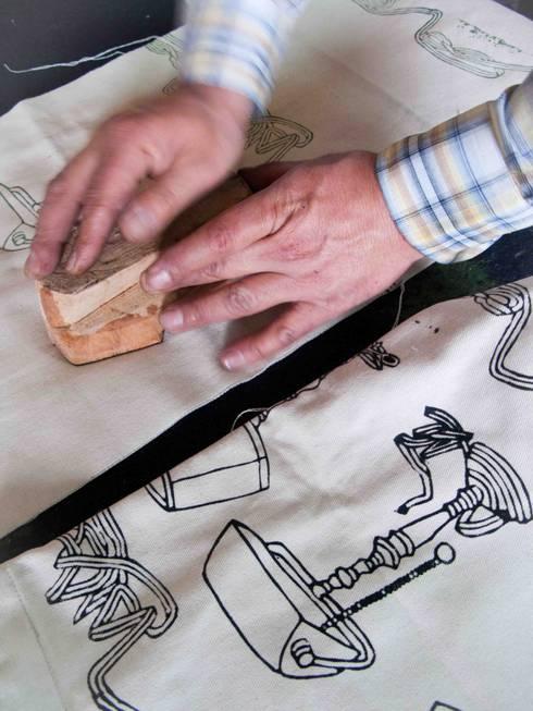 Chouchette – Chouchette Work in Progress - Wood block printing:  tarz Ev İçi