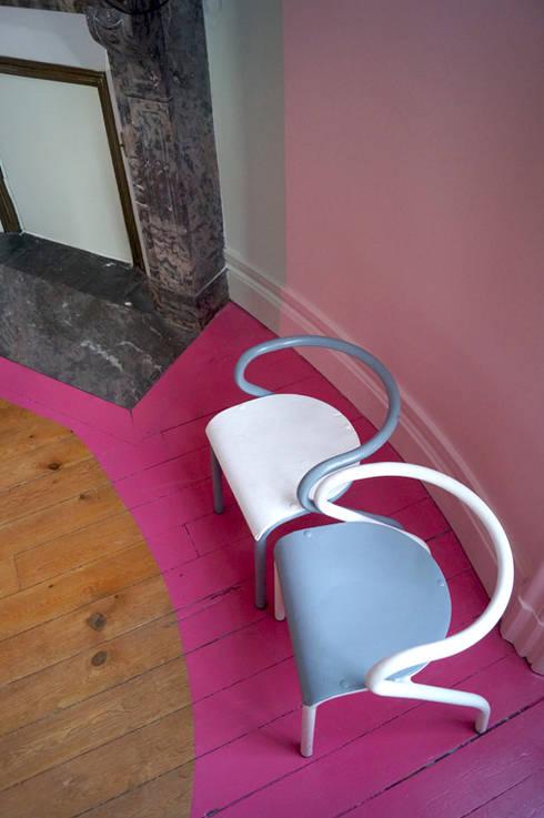 Chambre rose: Chambre d'enfant de style de style Industriel par Bénédicte Mahé Derouet