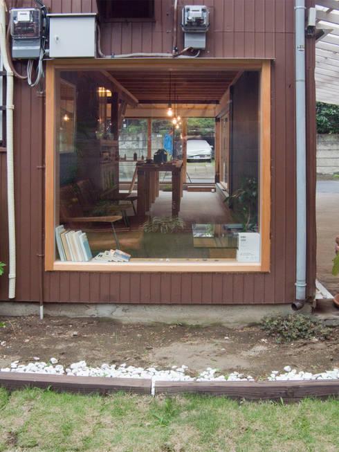 holon: 一級建築士事務所ageha.が手掛けたオフィススペース&店です。