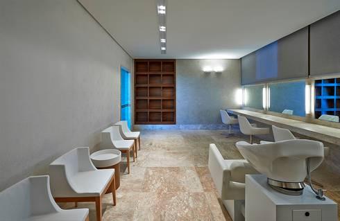 Ed. Residencial Green Garden: Spas modernos por Alessandra Contigli Arquitetura e Interiores