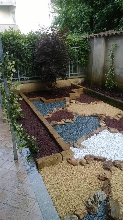 La Nuova Fioreria: Giardino in stile  di lanuovafioreria