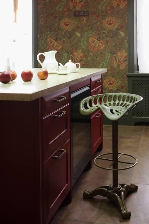 Подмосковный загородный дом для отдыха большой семьи и приема гостей  : Кухни в . Автор – AlenaPolyakova.com