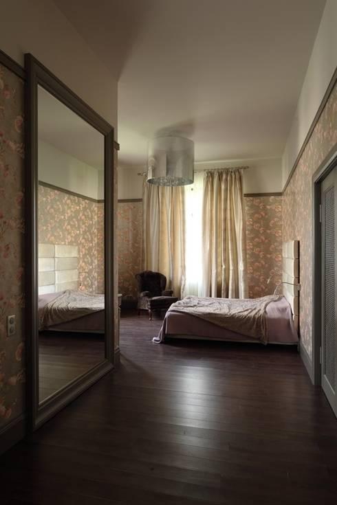 Подмосковный загородный дом для отдыха большой семьи и приема гостей  : Спальни в . Автор – AlenaPolyakova.com