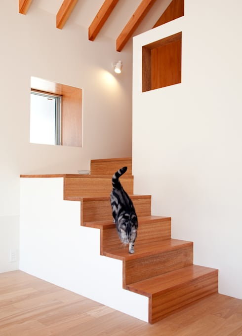 Living room by Unico design一級建築士事務所