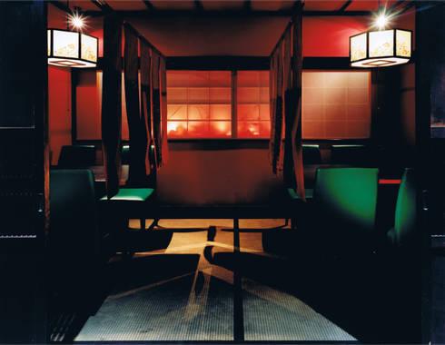 炭火焼き居酒屋 くう: 谷山武デザイン事務所が手掛けたオフィススペース&店です。