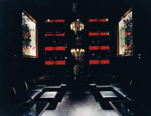 CLUB KIRRY: 谷山武デザイン事務所が手掛けたバー & クラブです。