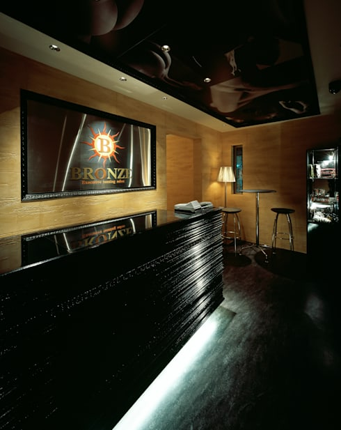 Exective tanning salon BRONZE: 谷山武デザイン事務所が手掛けたオフィススペース&店です。