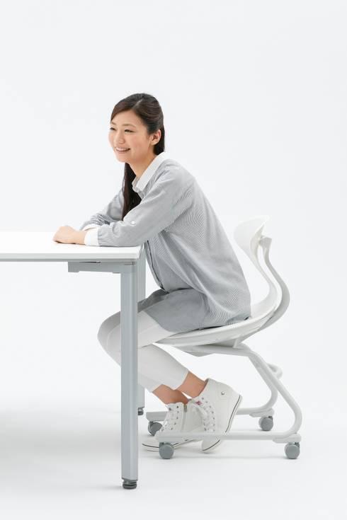 Campus Up (KOKUYO): Takeshi Ishiguro Creative Labが手掛けた勉強部屋/オフィスです。