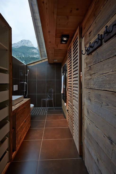 Dusche:  Badezimmer von gehret design gmbh