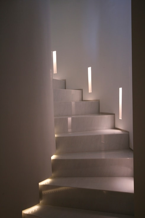 Projekty,  Korytarz, hol i schody zaprojektowane przez studiodonizelli