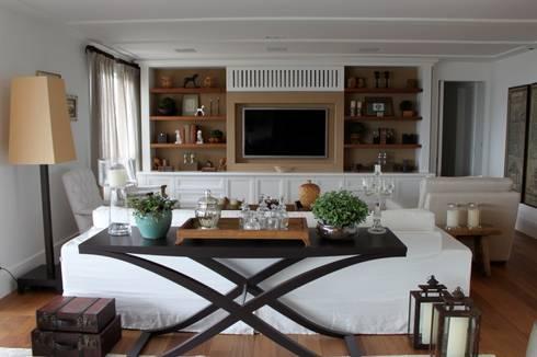 Sala de Estar - Apartamento São Paulo: Sala de estar  por Vaiano e Rossetto Arquitetura e Interiores