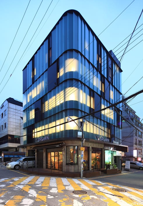 Y Building Remodeling: ISON ARCHITECTS의