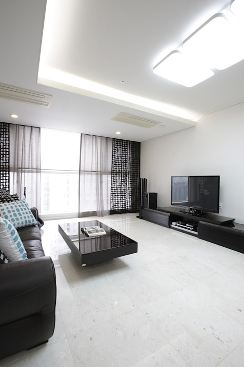 Living room by (주)이지테크(EASYTECH Inc.)