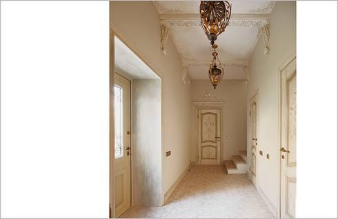 Гостевой дом _ реконструкция: Коридор и прихожая в . Автор – Back2Architecture