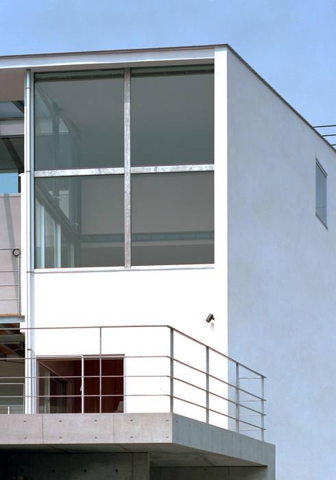 スキップテラスの家: 西島正樹/プライム一級建築士事務所 が手掛けた家です。