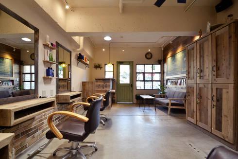 Hair Libert'e: TRANSFORM  株式会社シーエーティが手掛けた商業空間です。