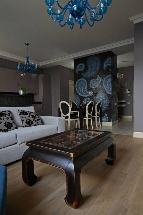 Над Москвой: Гостиная в . Автор – Atelier Interior
