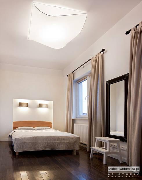 Minimalistyczna sypialnia: styl , w kategorii Sypialnia zaprojektowany przez Izabela Widomska Interiors