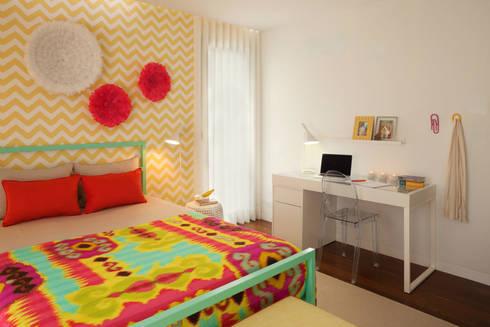 Girly Room: Quartos modernos por Ana Rita Soares- Design de Interiores