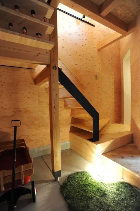 玄関: モノスタ'70が手掛けた廊下 & 玄関です。