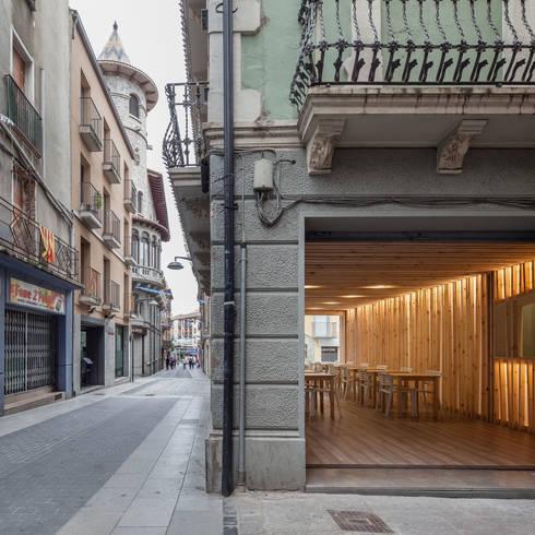 Silla Lama: Oficinas y tiendas de estilo  de RESOL