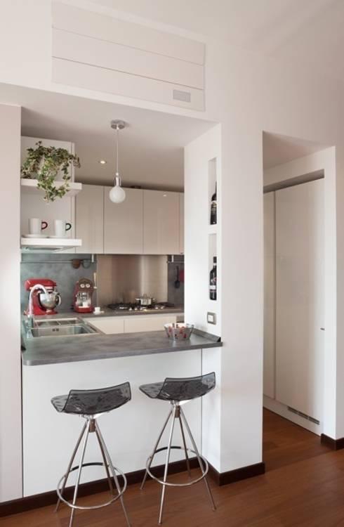 Кухня by gk architetti  (Carlo Andrea Gorelli+Keiko Kondo)