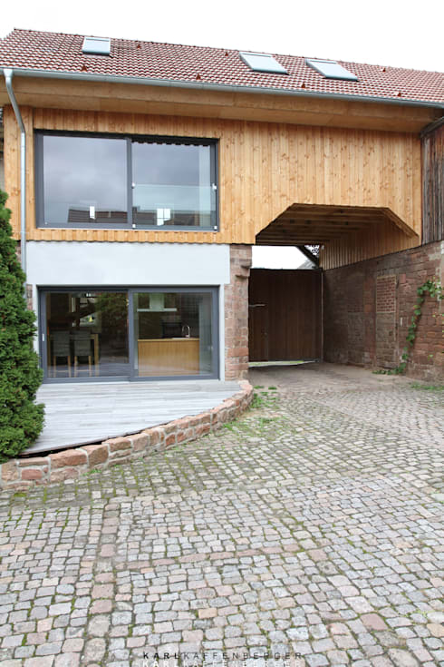 Historisches Torhaus im Odenwald:  Häuser von Karl Kaffenberger Architektur | Einrichtung