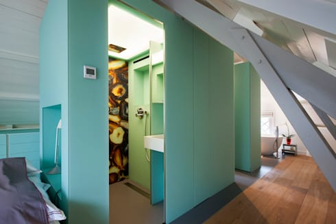Luxe bad- en slaapkamer in monumentaal pand: moderne Badkamer door a-LEX