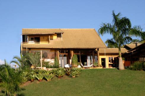 Residência LL: Casas tropicais por Mascarenhas Arquitetos Associados