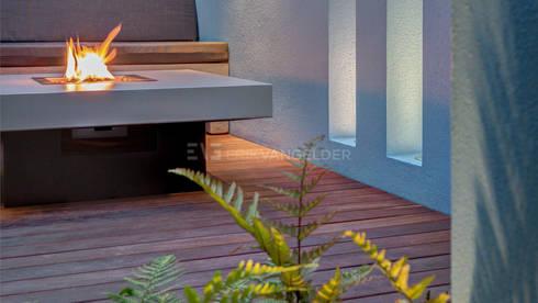 Vuurtafel by Erik van Gelder : minimalistische Tuin door ERIK VAN GELDER | Devoted to Garden Design