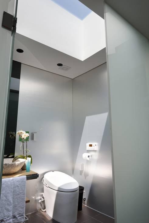 욕실: ARCHITECT GROUP CAAN의  욕실