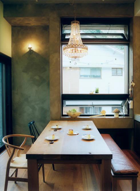 大きな窓のあるダイニング: 井村建築設計が手掛けたダイニングです。