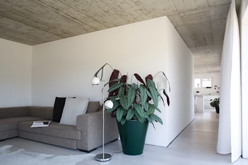 Modern Living Room By KARL+ZILLER Architektur