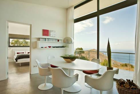 Villa gran atlantico moderne esszimmer von lukas palik fotografie