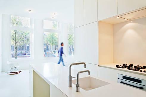 Keizersgracht, Amsterdam: moderne Keuken door Hamers Meubel & Interieur