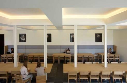 De voorkamer:  Scholen door PUUR interieurarchitecten
