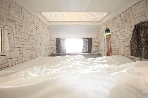 kleine schwester caravan hotel berlin von serein konzeptkunst mikroarchitektur homify. Black Bedroom Furniture Sets. Home Design Ideas