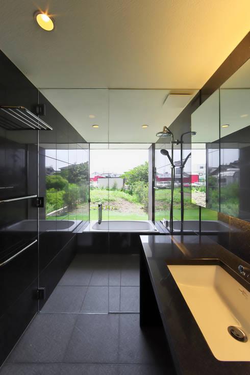 Ванные комнаты в . Автор – 五藤久佳デザインオフィス有限会社