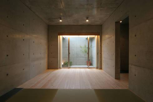 稲沢の家: 五藤久佳デザインオフィス有限会社が手掛けた寝室です。