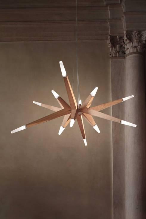 Die Flashwood-LED - ein Lichtheld mit Ecken und Kanten:  Wohnzimmer von Schnebe