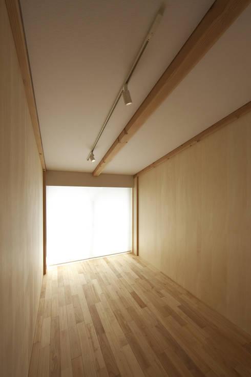 尾張旭の家: 五藤久佳デザインオフィス有限会社が手掛けた子供部屋です。