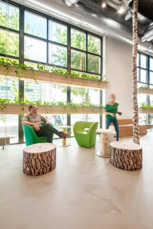 werken, overleggen, lunchen in 't Park:  Kantoorgebouwen door CUBE architecten